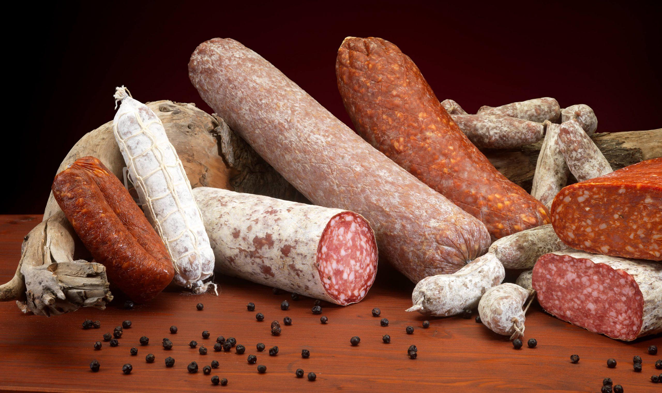 Le varie tipologie di salame Menatti: il più famoso dei salumi insaccati