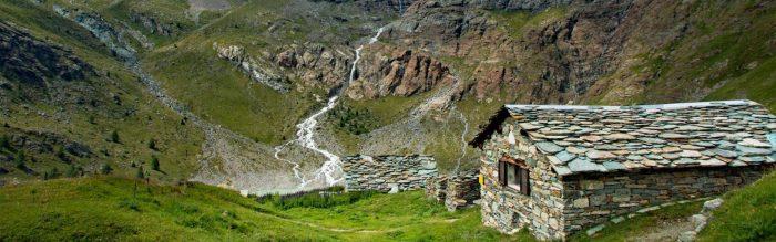 Il bacino artificiale di Gera situato in Valmalenco rappresenta un'escursione di grande interesse panoramico nel cuore della Valtellina