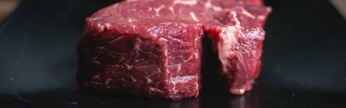 Quando si sceglie di mangiare la carne è fondamentale conoscere il processo che c'è dietro alla lavorazione del prodotto