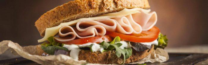 Il toast è un protagonista per eccellenza della tavola e ha origini lontane nel tempo