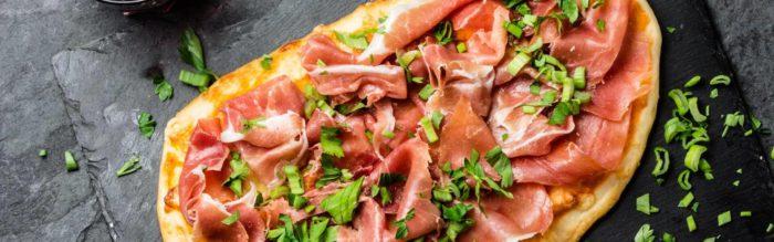 Come mettere i salumi sulla pizza