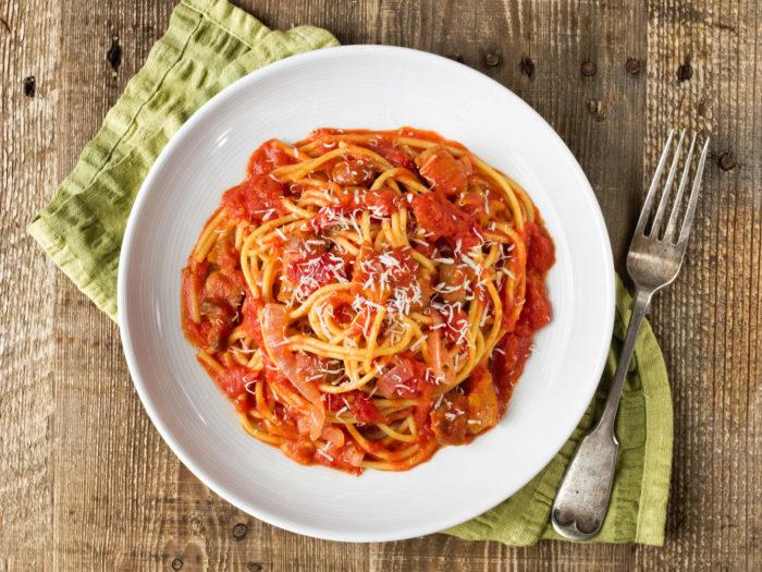 Ricetta della pasta all'amatriciana con pancetta Menatti