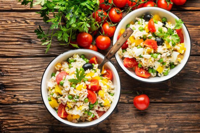 Come preparare un'insalata di riso light e salutare
