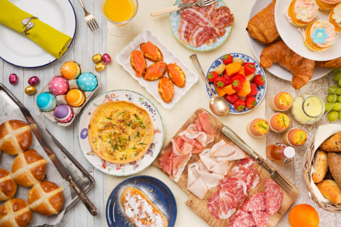 pranzo pasquale: usanza di mangiare salumi
