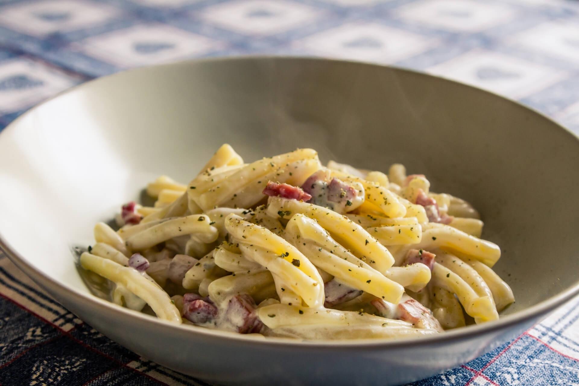 ricetta pasta patate e speck menatti