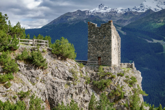torri di fraele in Valtellina: itinerario da Cancano al monte Scale vicino a Bormio